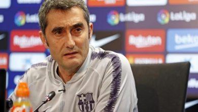 صورة رسميا.. فالفيردي يعلن استمراره مع برشلونة الموسم المقبل