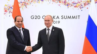 صورة السيسي يلتقي مع بوتين على هامش مجموعة العشرين