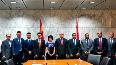 صورة وزير الإسكان يتفاوض مع 8 بنوك صينية لاستكمال  تنفيذ منطقة الأعمال المركزية بالعاصمة الإدارية الجديدة