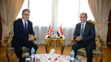 صورة وزير الطيران يعرب عن استيائه لقرار الخطوط البريطانية تعليق رحلاتها لمصر في لقاء مع سفير لندن بالقاهرة