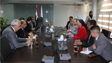 صورة وزيرة البيئة تستقبل محافظ بغداد وسفير العراق لبحث سبل التعاون