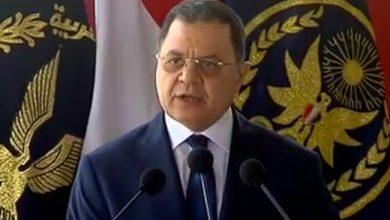 صورة وزير الداخلية:الشرطة تعمل ليلا ونهارا..ولابقاء لمفسد على أرض مصر
