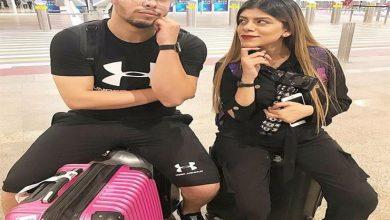 صورة بعد إبلاغ النائب العام لتعرض طفلتهما للخطر..أحمد حسن وزينب يغادران مصر|صور