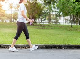 صورة رياضة المشي تساعدك في الحفاظ على وزنك في رمضان..تعرف على فوائدها