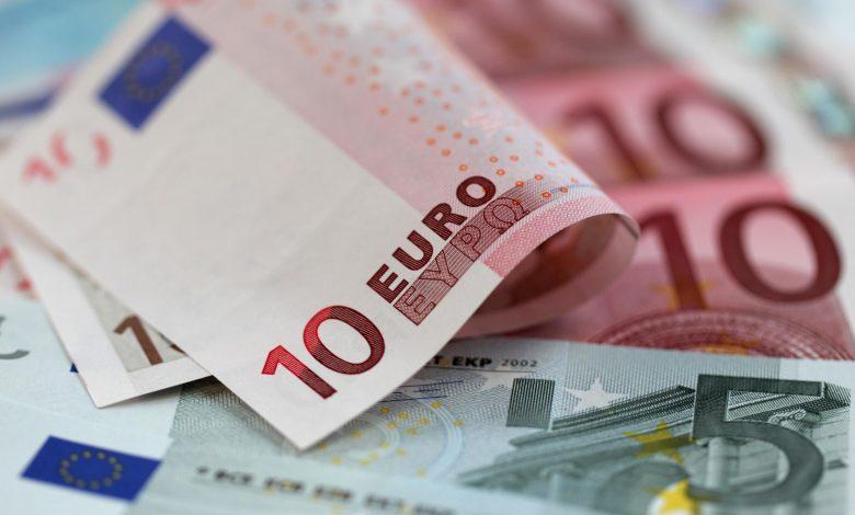 سعر اليورو والجنيه الاسترليني اليوم